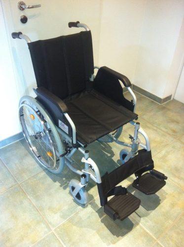 Trendmobil Rollstuhl TMB Faltrollstuhl von Vorne