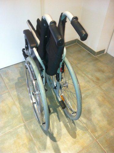 Trendmobil Rollstuhl TMB Faltrollstuhl zusammengeklappt