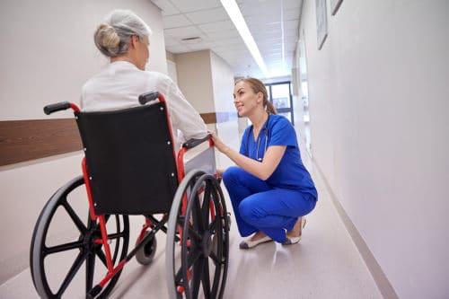 Rollstuhl mit Selbstantrieb