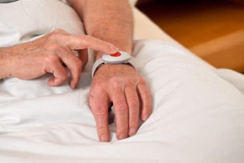 Hausnotrufsystem - Schnelle Hilfe per Knopfdruck
