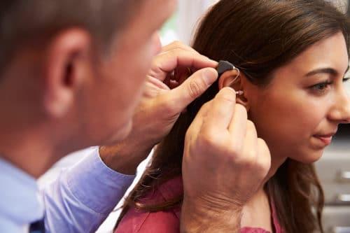 Hörgeräteaakustiker