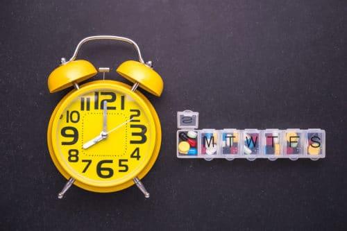 Pillenbox mit Alarm
