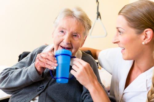 Trinkhilfen für Senioren