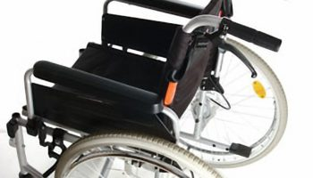 Rollstuhl mit Trommelbremse