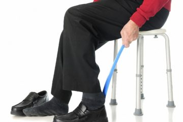 Ankleidehilfe für Senioren – Hilfen beim Anziehen und Ausziehen