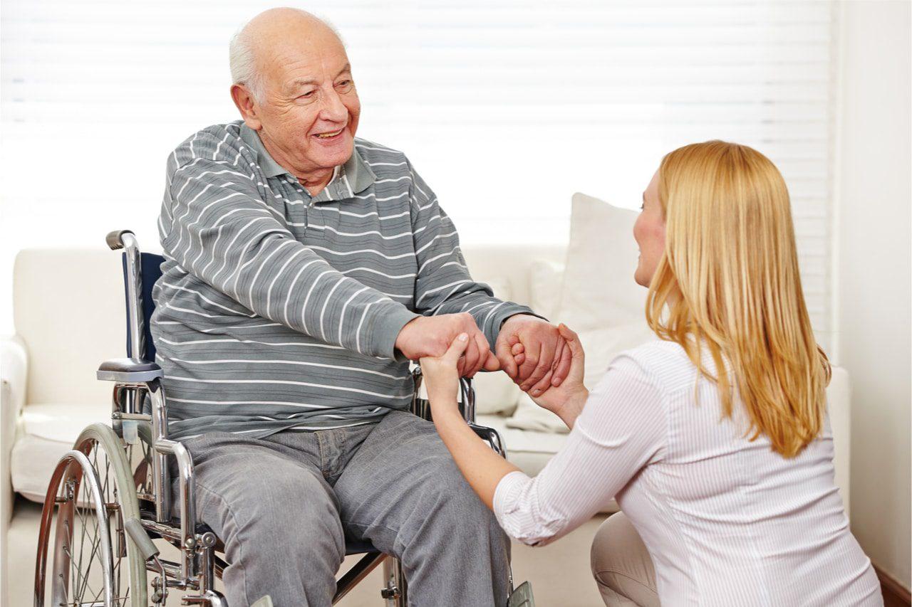 Rohlstuhl für Senioren - Das sollten Sie beachten
