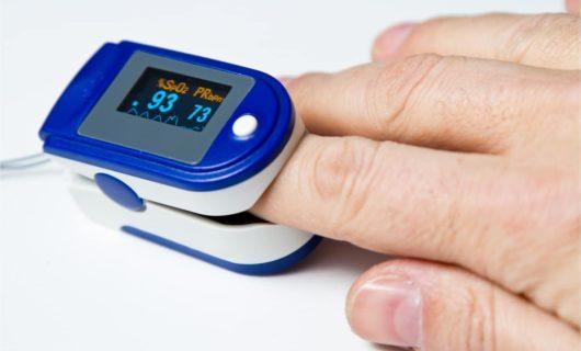 Pulsoxymeter Messunf an der Fingerkuppe