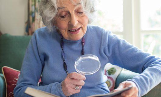 Lesehilfe für Senioren