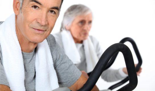 Fitnessgeräte für Senioren – Sportgeräte und Übungsgeräte